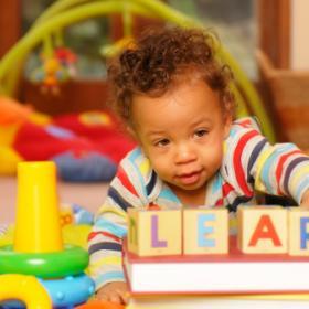 Малыши-билингвы: корни билингвизма у новорожденных